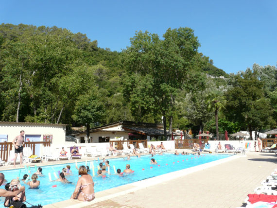 camping Camping Vallon Rouge region1} LA COLLE SUR LOUP Alpes-Maritimes